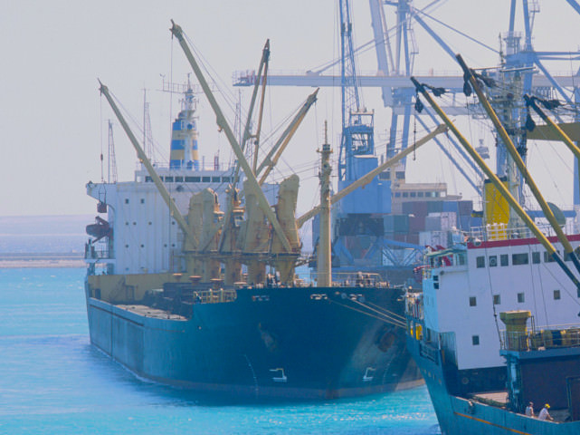 Record iron ore shipments